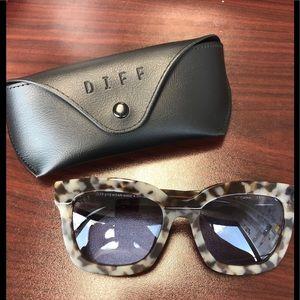 Diff Eyewear Accessories - DIFF Eyeware - Tortise Sunglasses ‼️BRAND NEW‼️